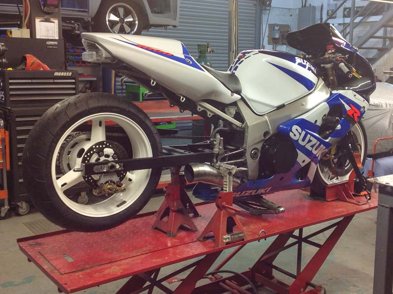 Drag bike extended swinging arm